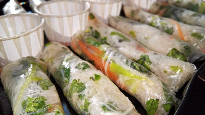 (V)Vietnamese rolls with sweet chilli sauce